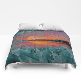 WAVE OVER SUNSET Comforters