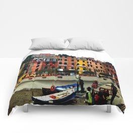 Cinque Terre, Italy Harbor in Riomaggiore/Vernazza Comforters
