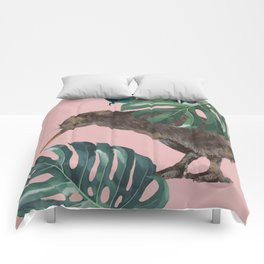 Kiwi Bird with Monstera in Pink Comforters