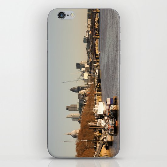London at sunset iPhone & iPod Skin