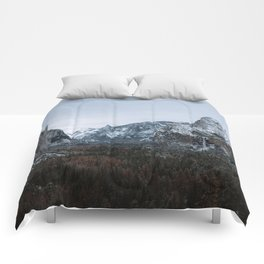 Snow in Yosemite Valley Comforters