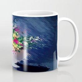 Ton und Blumen. Stilleben. Coffee Mug