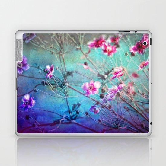 FLEURS DU PRÉ II - Wildflowers in painterly style Laptop & iPad Skin