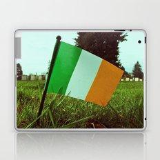Cemetery tricolor Laptop & iPad Skin