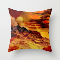 Nebel in den Bergen 1 Throw Pillow