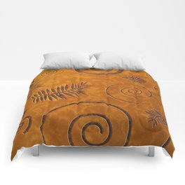 Graphic Fossil Leaf and Shell Shapes Red Sand Pattern Comforters