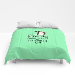 Real Pirates are born in SEPTEMBER T-Shirt Dez9t Comforters