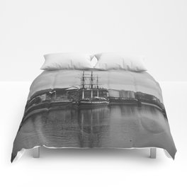 Famine Ship Dunbrody Comforters