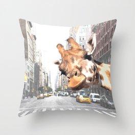 Selfie Giraffe in New York Throw Pillow