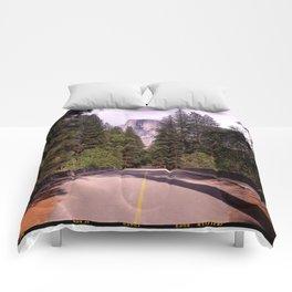 Ahwahnee Bridge, Yosemite Village Comforters