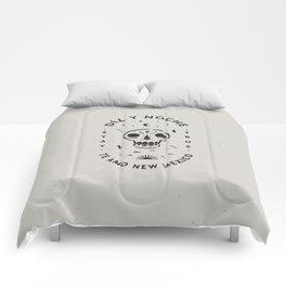 """Te Amo New Mexico"" sugar skull badge (day) Comforters"
