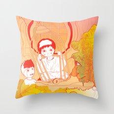 Hansel e Gretel 02 Throw Pillow