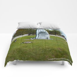 Geese and Wing Sculpture: Life Imitates Art (Chicago North Pond Collection) Comforters