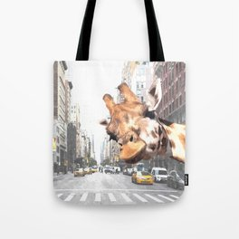 Selfie Giraffe in New York Tote Bag