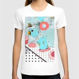 Cockatoo Making Muffins  T-shirt
