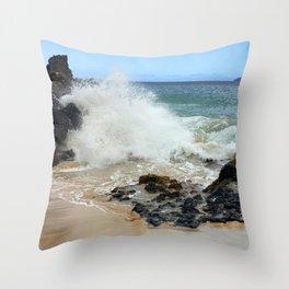 Hawaii Secret Beach Cove With Crashing Rogue Waves Throw Pillow