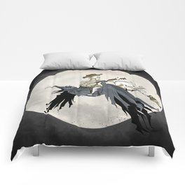 Howling at the Moon Comforters