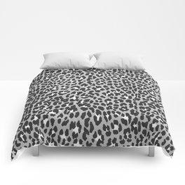 Elegant trendy black white cheetah pattern Comforters