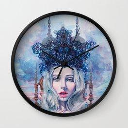 Self-Crowned Wall Clock