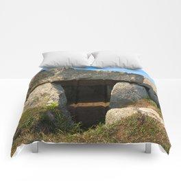Le Trepied Dolmen Comforters