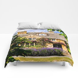 Framed by nature. Comforters