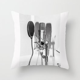 Microphone black and white Throw Pillow