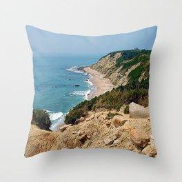 Mohegan Bluffs and Beach - Block Island (New Shoreham) Rhode Island Throw Pillow