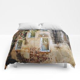 Villa Carolina Comforters