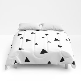 Disorganized Triangles Comforters