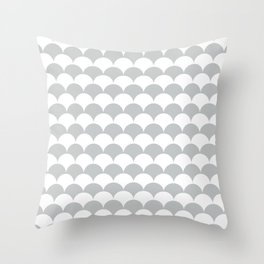Light Fan Shell Pattern Throw Pillow