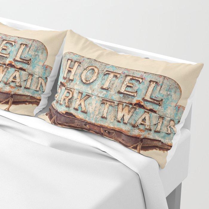 Hotel Mark Twain, Hollywood Pillow Sham