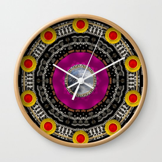 let  me watch  this Wall Clock