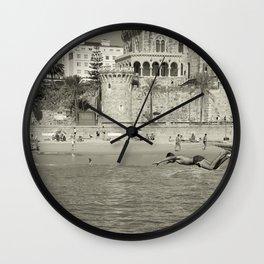 Le saut Estoril Wall Clock