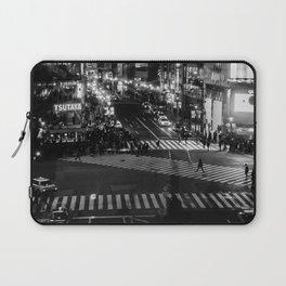 Shibuyacrossing at night - monochrome Laptop Sleeve