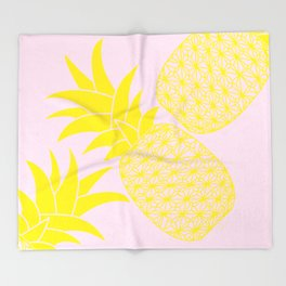 Ananas baby pink Throw Blanket