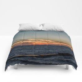 Summer sunset on lake Ontario Comforters