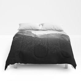 Yawning Tableau Comforters