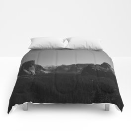 Tunnel View, Yosemite National Park Comforters