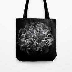 Backyard Flowers In Black And White 25 Tote Bag