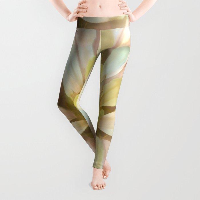 Painterly Seamless Pink Zinnia Leggings