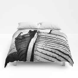 An old wreck Comforters