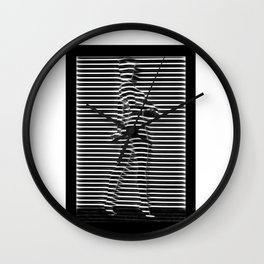 Silueta de mujer detrás de ventana Wall Clock