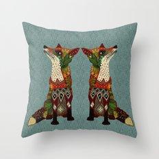 fox love juniper Throw Pillow