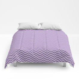 Modern ultraviolet white zigzag chevron pattern Comforters