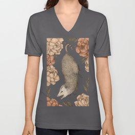 The Opossum and Peonies Unisex V-Ausschnitt