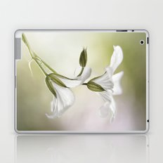 Little white flowers Laptop & iPad Skin