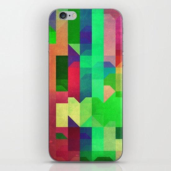 prynsyss iPhone & iPod Skin