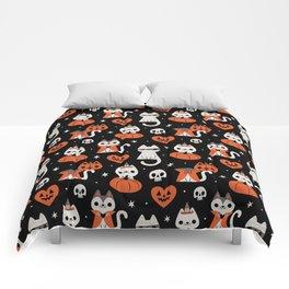 Halloween Kitties (Black) Comforters