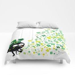 Blowing shamrocks Comforters