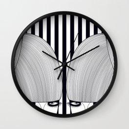 Gêmeas Close Wall Clock